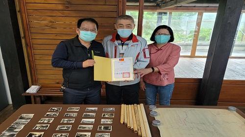 由左至右 謝文祥館長、林哲伸先生、葉麗華女士
