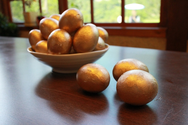 黃金博端午「金」促咪 立金蛋、射粉團、喝青草茶